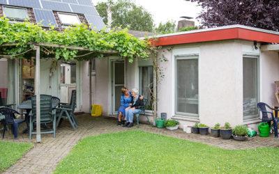De mantelzorgwoning, een thuis in de achtertuin